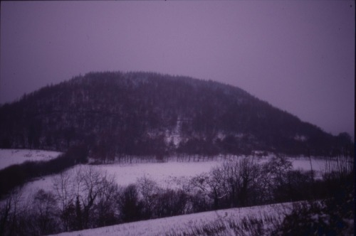 Long_hill_in_midwinter